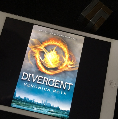 summary of the book divergent by veronica roth